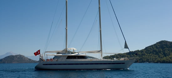 Angelo II Luxury Sail
