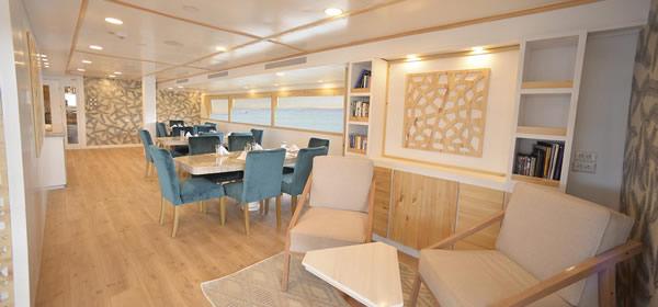 Galapagos Sea Star Mega Yacht