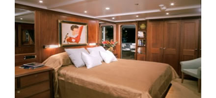 M/Y Private Lives