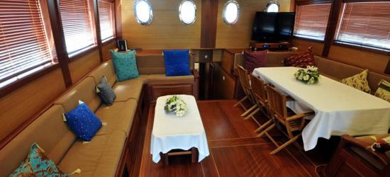 Expedition Yacht Valhalla
