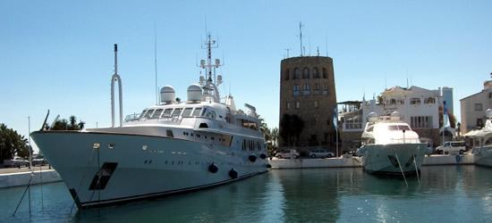 The Yacht Shaf
