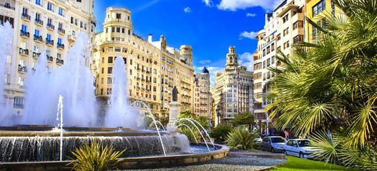 The Plaza del Ayuntamiento, Valencia